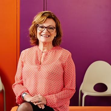 Dr Barbara Rysenbry